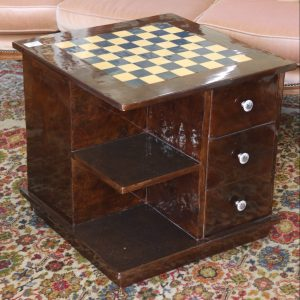 Fitted chess table